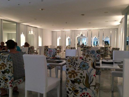 Hotel Suite Albayzin del Mar: Anyone for breakfast..?