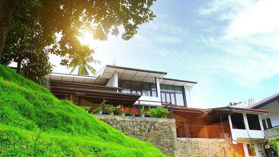 Thotupola Residence