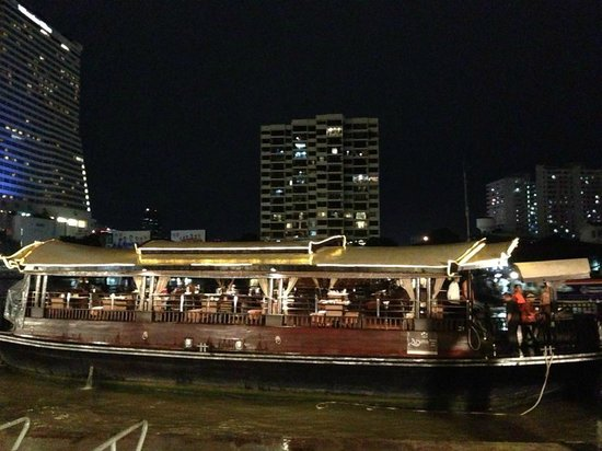 Banyan Tree Bangkok : Apsara Boat Trip - great food and servce!