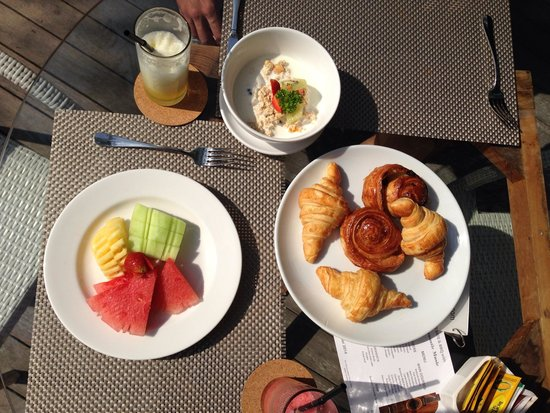 Maca Villas & Spa : Best pastries & fresh juice