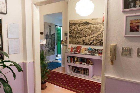 Hotel Il Poeta Dante: Фойе