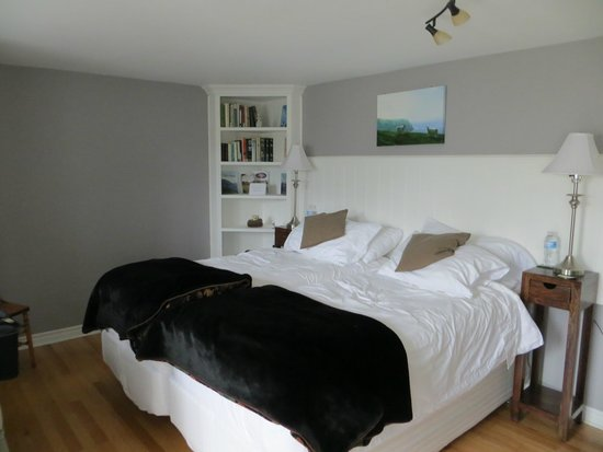 Baddeck Heritage House Bed and Breakfast: Cape Breton Room