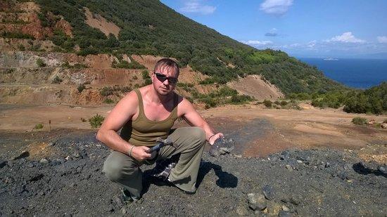 Parco Minerario dell'Isola d'Elba : Scavando pirite ed ematite nel Parco Minerario - Emanuele Carioti