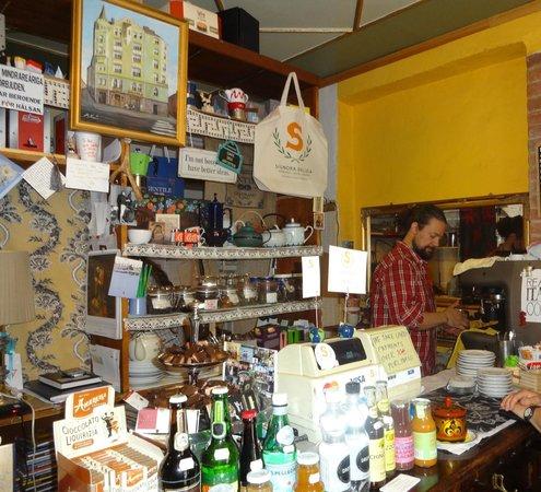 Signora Delizia : Inside the cafe