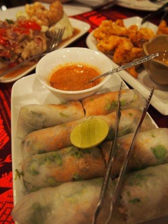 Tamnak Lao Restaurant : spring rolls similar to Vietnam