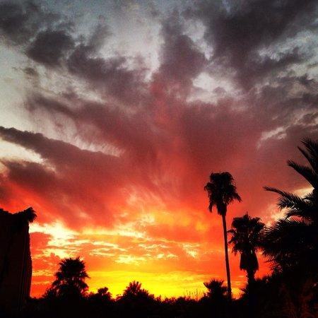 Sahara Palace Marrakech: Sunset at Taj Palace