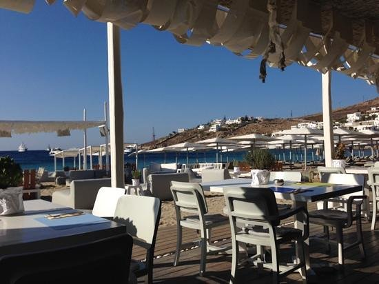Mykonos Ammos Hotel: Breakfast at Kuzina
