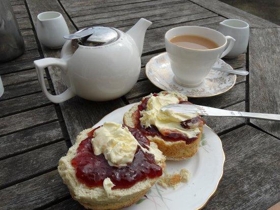 Poolside Indulgence: Tasty and generous Cream Tea!!