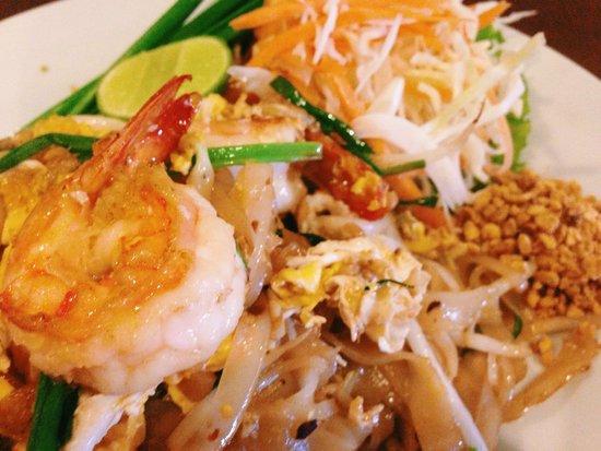 Eightfold Restaurant: Pad Thai with prawns