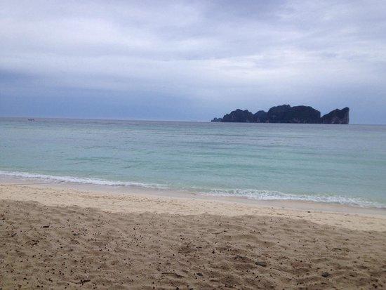 Restaurant at Phi Phi Paradise Pearl Resort: View