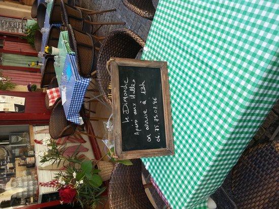 Casa Castagno : attention dimanche c est l aperitif aux halles