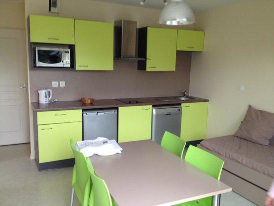 Relais du Plessis Resort : Coin séjour- cuisine