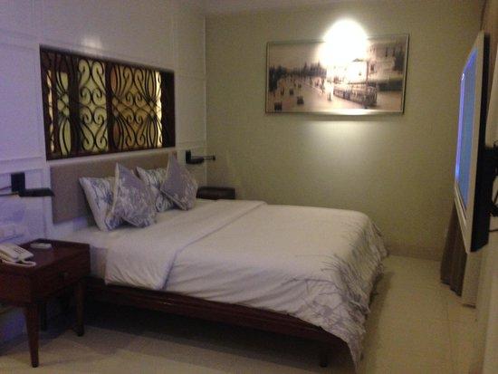 Seminyak Lagoon All Suites: Bedroom in a Lagoon Suite