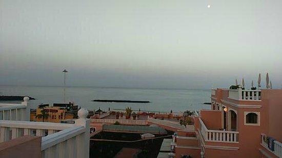 Sol Sun Beach Apartamentos: Our view from the room