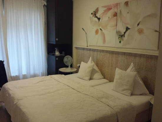 Andel: chambre 17, belle chambre, agréable et confortable
