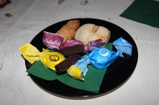 Arcada Villasimius: Dolci alle mandorle e cioccolata al peperoncino