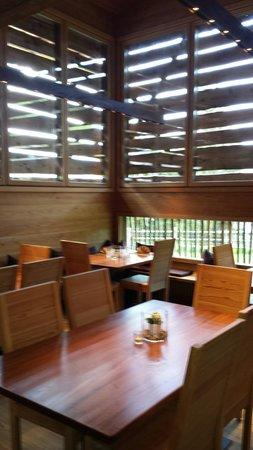 Costamula Restaurant: Una delle sale interne