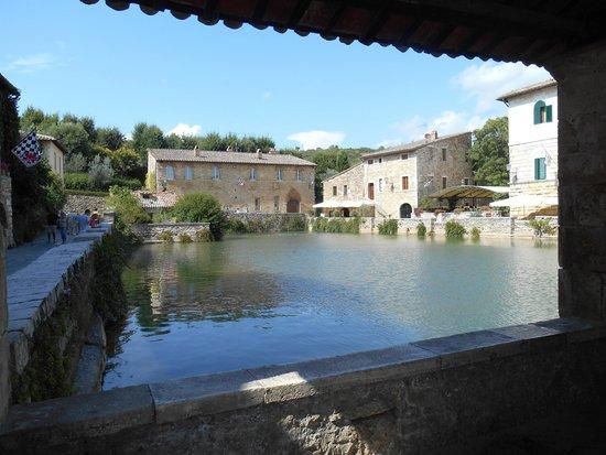Bagno vignoni foto di terme bagno vignoni san quirico d - Bagno vignoni b b ...