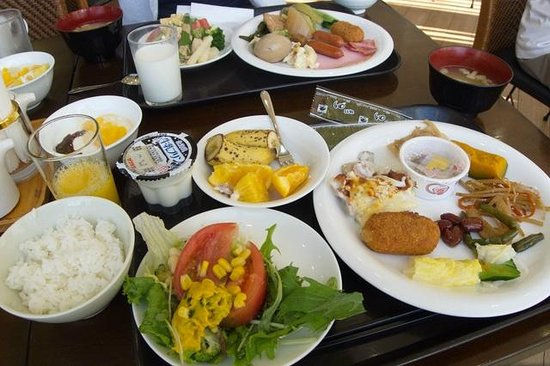 Lasting Hotel : 朝食バイキングの一部