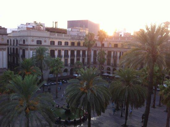 Roma Reial Hotel: Vista mattutina dalla stanza 419