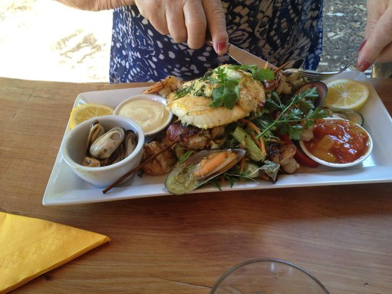 T.O.A.D Hall Store & Cafe: Seafood platter for 2