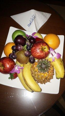 Al Rawda Arjaan by Rotana : welcoming fruit