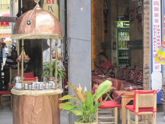 Culinary Backstreets -Tours : Turkish Tea