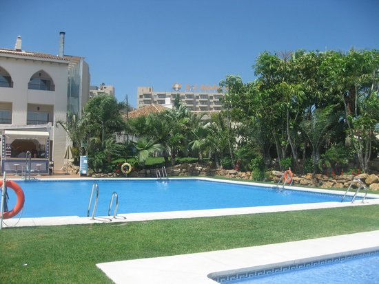 Hotel Mac Puerto Marina Benalmadena : Pool