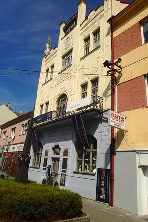 Benesov, Tsjekkia: beautiful Art deco building