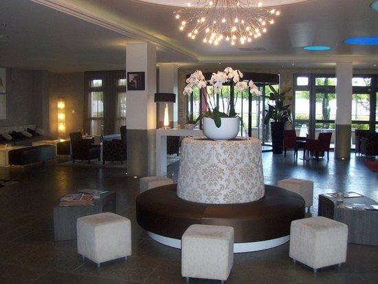 le petit d jeuner buffet 2 photo de kyriad prestige. Black Bedroom Furniture Sets. Home Design Ideas