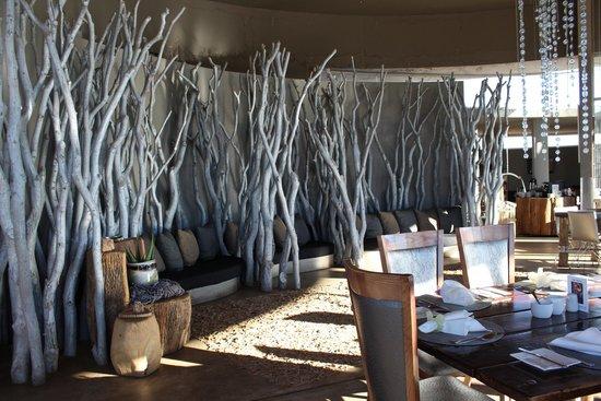 N/a'an ku se Lodge and Wildlife Sanctuary: Sala pranzo