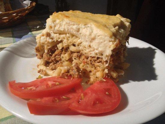 Lendas, Greece: Taverna El Greco: Excellent homemade Pastizio