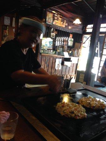 Asakusa Okonomiyaki Sometaro: proprietaria e okonomiyaki