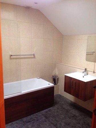Tilford Woods Lodge Retreat: Lovely bathroom