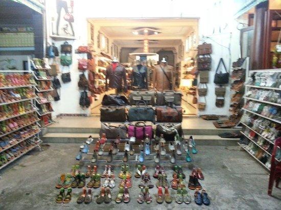 Shoe shop 702
