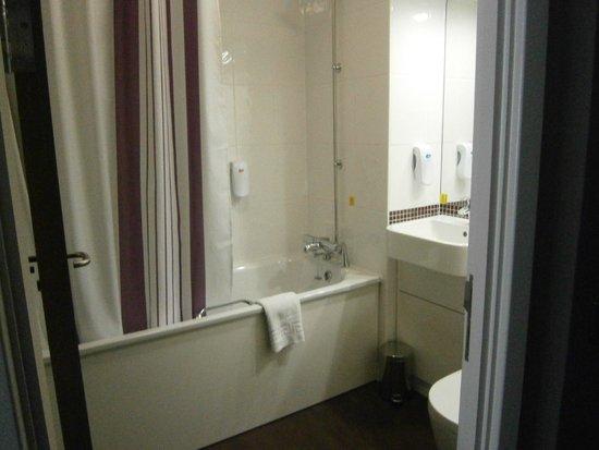 Nice Big Bathtub Very Clean Bathroom Picture Of Premier Inn Bath City Centre Hotel Bath