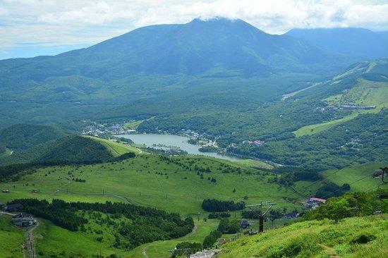 Kurumayama Highland : 車山山頂より白樺湖を望む