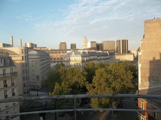 Ibis Paris Gare de Lyon Diderot: View of Gare De Lyon