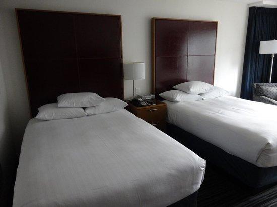 Hyatt Regency Vancouver : 大きなベッド