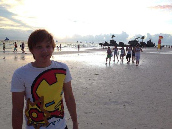 Shore Time Hotel Boracay: vicecaptainhiro