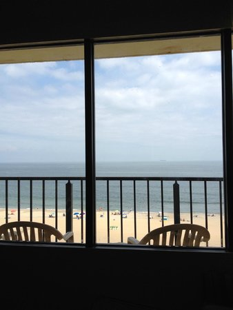 Four Points by Sheraton Virginia Beach Oceanfront: View from the bed