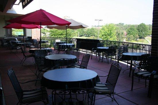 Mackenzie S Restaurant And Tap Room