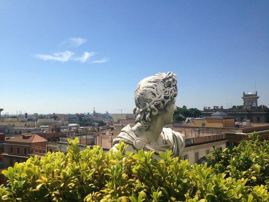 سافوي هوتل: Roman summer