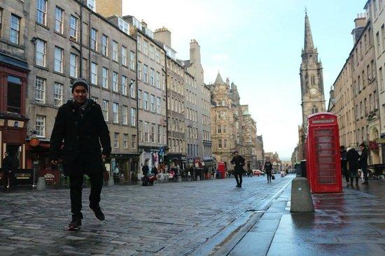Edinburgh Backpackers Hostel : City