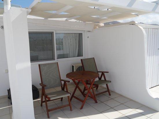 Saint Vlassis Hotel: terraza