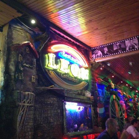Leon Restaurant: Leon :)