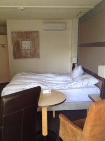 Hotel Mitland: Zimmer mit Balkon