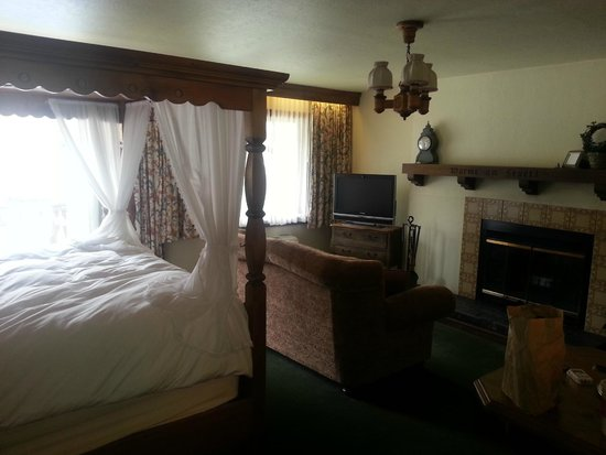 Enzian Inn: Honeymoon Suite