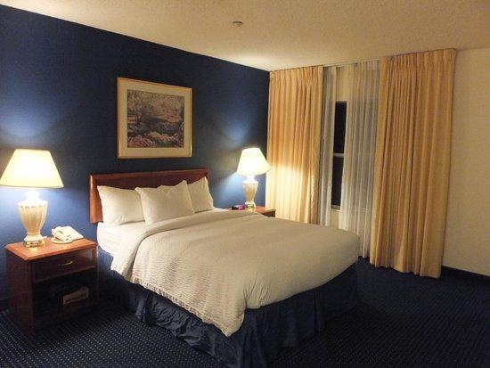 Residence Inn Las Vegas Henderson/Green Valley : ベッド