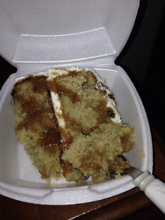 Federal Grove Bed and Breakfast: Banana cake- minus the bananas